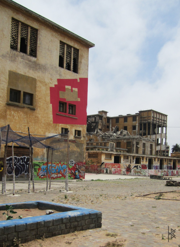 Casablanca Crumbled